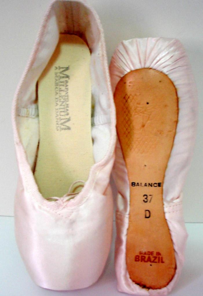 cb59551570 Sapatilhas de ponta (pointe shoes)